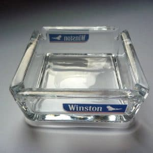 Aschenbecher aus Glas, quadratisch