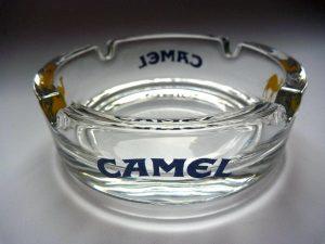 Aschenbecher aus Glas, rund