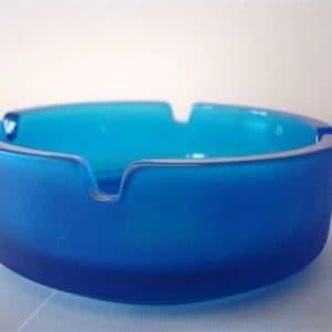 Aschenbecher aus Glas, rund, blau