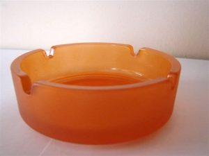 Aschenbecher aus Glas, rund, orange