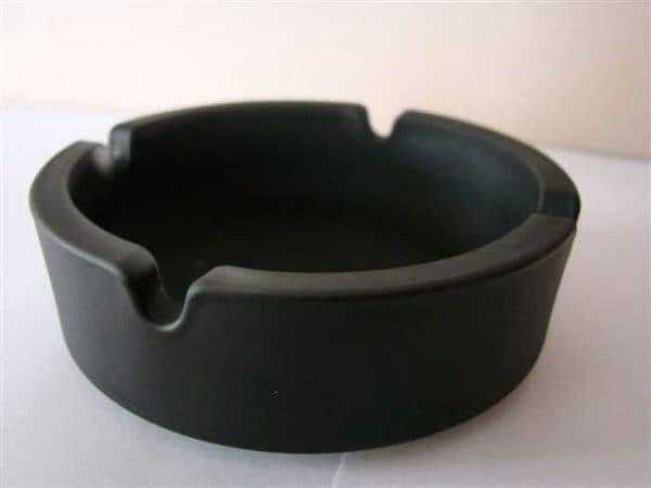 Aschenbecher aus Glas, rund, schwarz
